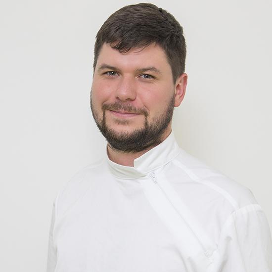 Dr. Tabi László